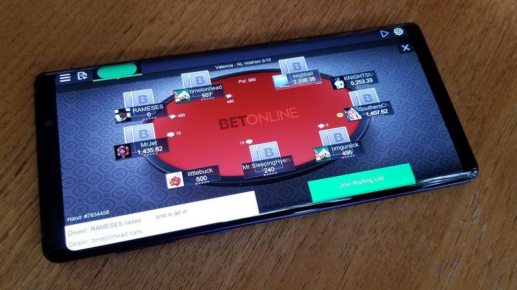 Mendapatkan Keuntungan saat Bermain Judi Poker di Situs Poker Resmi